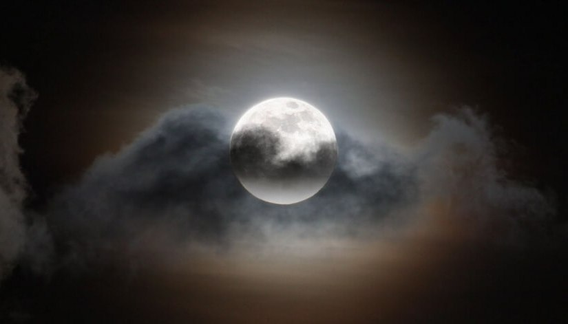 It Must Be a FullMoon